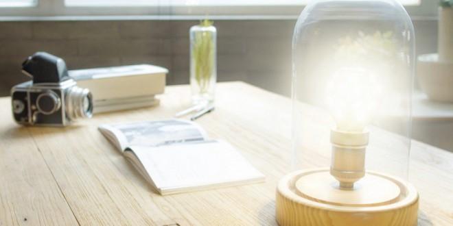 Lâmpada inteligente de LED consome até 99% menos energia que uma incandescente